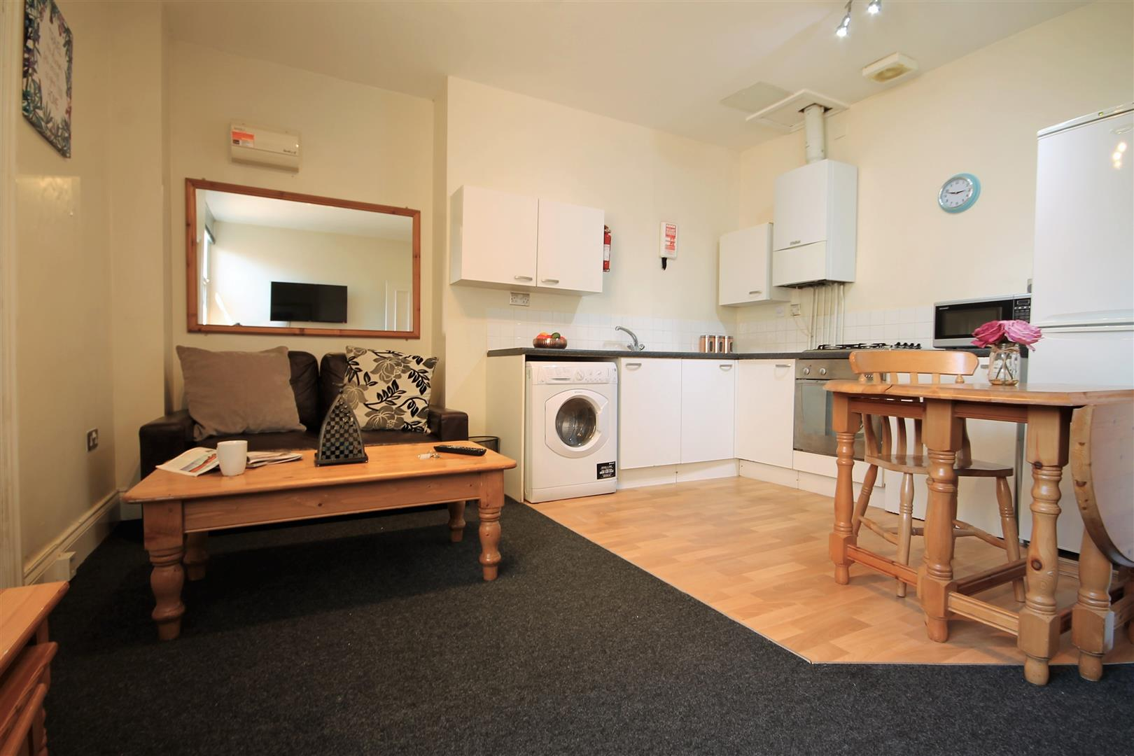 Huntsmoor House Newcastle Upon Tyne, 2 Bedrooms  Apartment ,To Let